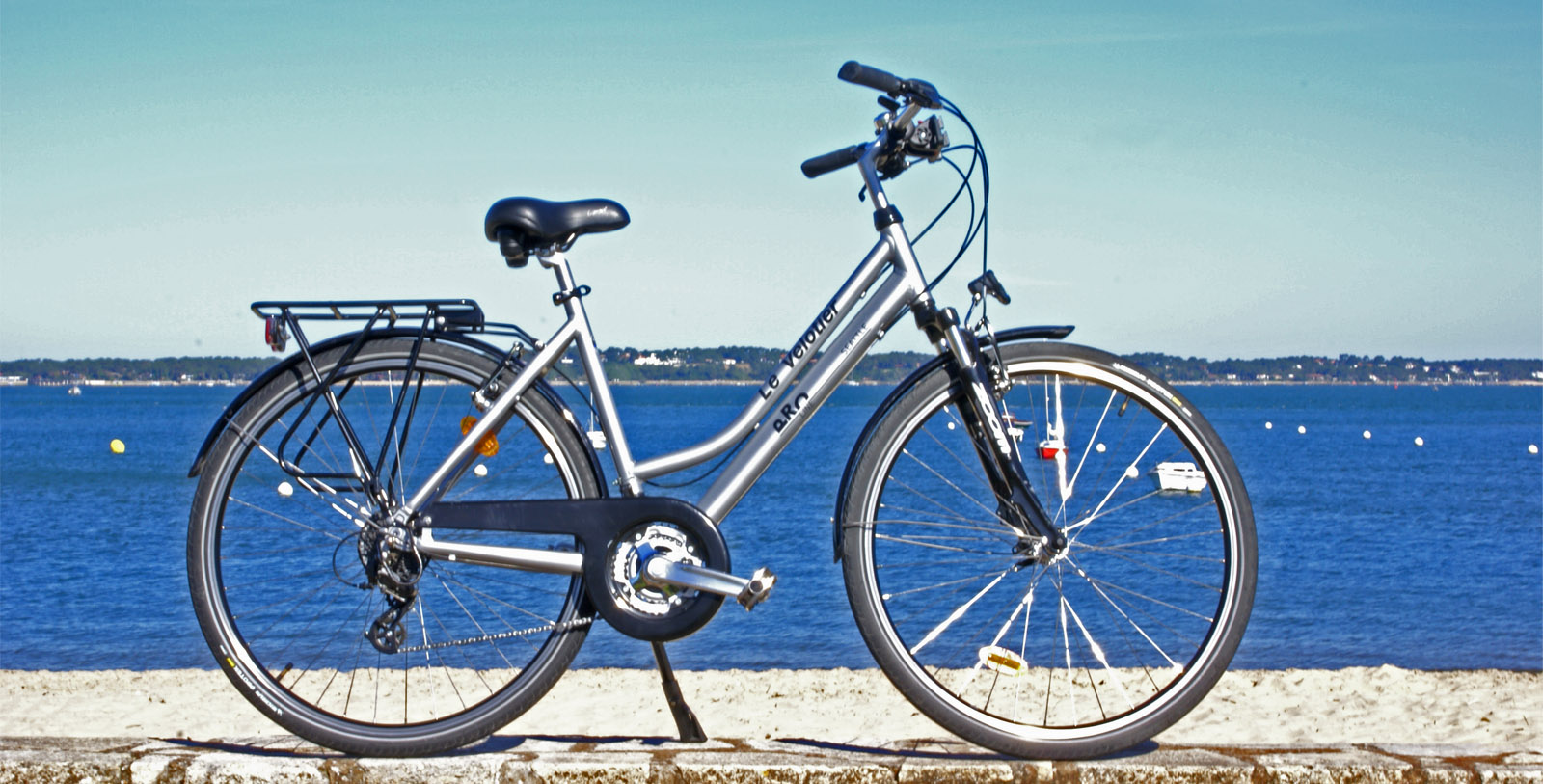 Le Vélotier rental city bikes for adults in Pyla sur mer